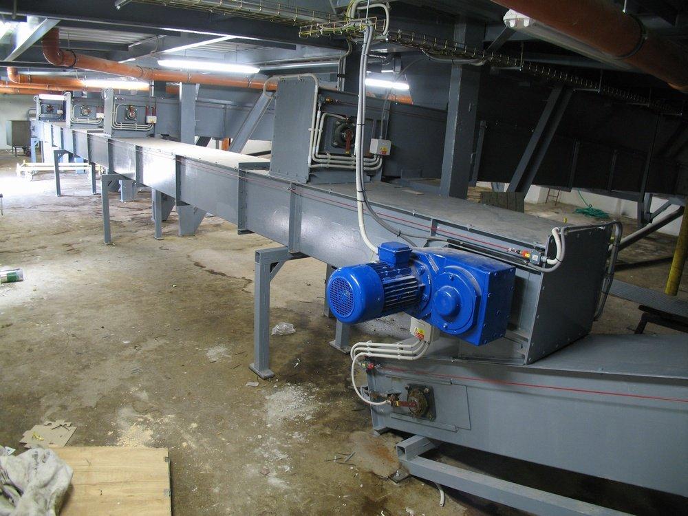 5 x скребковый конвейер<br />Система транспортировки кека с фильтр-прессов.